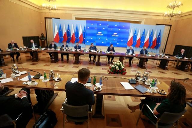 Zakończyło się spotkanie rządu z opozycją ws. Białorusi. Komentarze polityków po spotkaniu z premierem