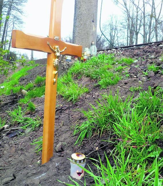 Na miejscu tragedii stanął drewniany krzyż