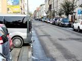 Nowo oddany parking przy ulicy Mickiewicza nie dla samochodów z hakiem?