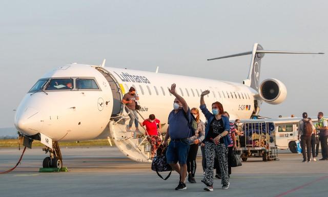 Pierwsze lądowanie samolotu rejsowego Lufthansy po pandemicznej przerwie na lotnisku Rzeszów - Jasionka.