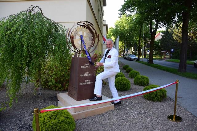 Przy budynku Solanki Medical SPA (ulica Wilkońskiego 23) w Inowrocławiu odsłonięto instalację artystyczną autorstwa Leonarda Franciszka Berendta, upamiętniającą 90 lat działalności Rotary w Polsce oraz 25 lat działalności w Inowrocławiu