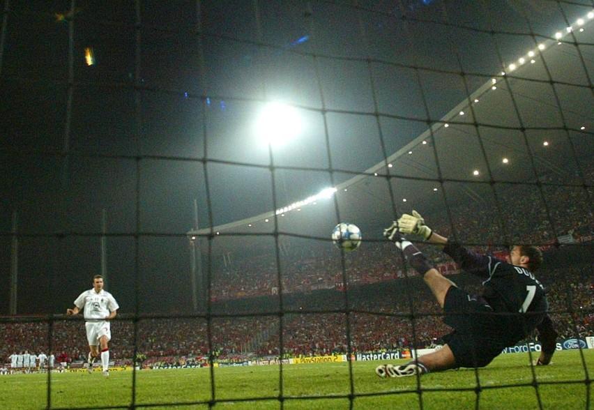 Liverpool - Milan 3:3, Liverpool wygrał w karnych (2005 r.)....
