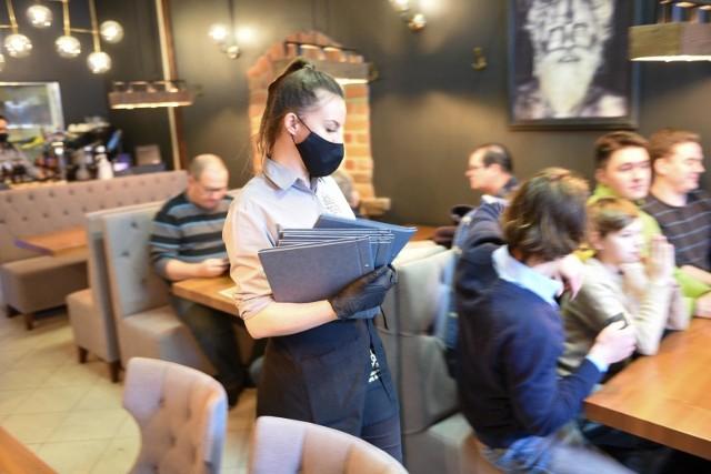 """Rośnie liczba punktów w Kujawsko-Pomorskiem na """"Interaktywnej Mapie Wolnego Biznesu"""". Można tam znaleźć restauracje, kluby, siłownie, hotele, ich właściciele mówią #otwieraMY"""