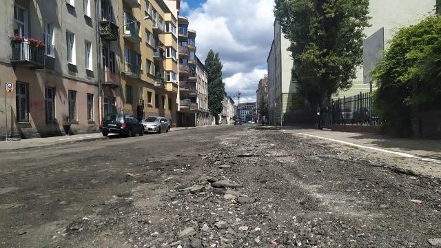 Od sfrezowania starej nawierzchni rozpoczął się remont ul. Lipowej.