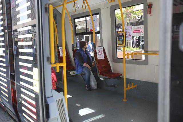 Nowe zasady w autobusach i tramwajach od 18 maja