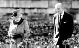 Książę Filip nie żyje. Zaczął się zmierzch Windsorów. Forth Bridge już się zawalił. Jakie było życie księcia z królową Elżbietą II?