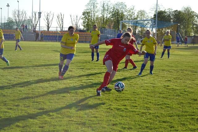 Futbolistki Victorii Pińczów na boiska powrócą wiosną - pod koniec marca lub, jeśli będzie kiepska pogoda, dopiero w kwietniu. Przygotowania do rundy wiosennej zaczną w drugiej połowie stycznia.