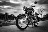 Jazda motocyklem bez prawa jazdy. Jakie są konsekwencje?
