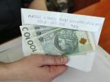 Słupska policja odnalazła 13-latka, by mu wręczyć zgubione 300 zł ze świątecznego prezentu
