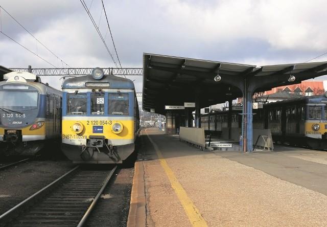 Mieszkańcy regionu słupskiego oburzyli się zapowiedziami Przewozów Regionalnych o zawieszeniu połączeń kolejowych między Słupskiem a Ustką oraz przesunięciami czasowymi kursów między Słupskiem a Szczecinkiem, które mają wejść w życie 13 grudnia wraz z nowym rozkładem PKP.