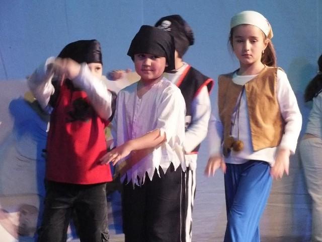 Dzieci z Miejskiego Przedszkola nr 12 wystawiły sztukę pt. Przygoda na morzu