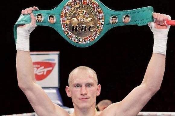"""Krzysztof """"Diablo"""" Włodarczyk pokonał Czakijewa i obronił pas federacji WBC."""