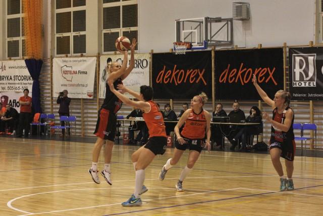 Dekorex Pabianice w sobotę będzie podejmował UKS Basket Aleksandrów.