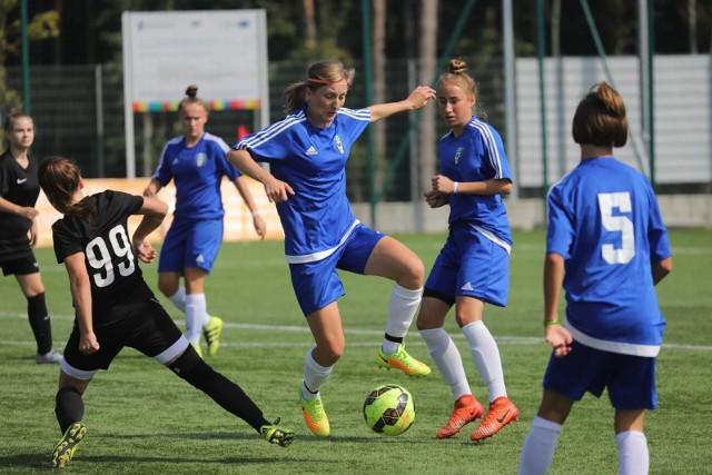 Drugoligowe piłkarki Włókniarza Białystok nadspodziewanie dobrze rozpoczęły sezon i plasują się w górnej części tabeli