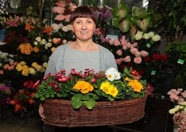 Zaproś wiosnę do domu i ogrodu. To prostsze, niż się wydaje (ZDJĘCIA)- Kwiaty warto ustawić grupami, tworząc pachnące kompozycje. To wspaniały sposób, żeby stworzyć w domu wiosenny klimat – mówi Jolanta Leszczyk z radomskiej Kwiaciarni pod Katedrą.