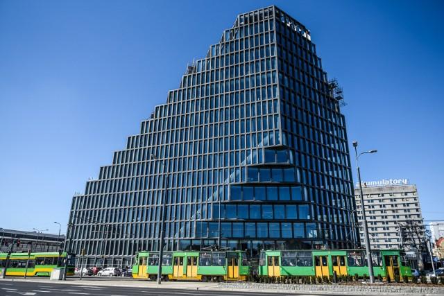 BałtykMało kto wie, że Unia Europejska nie tylko daje dotacje, ale również kredyty na inwestycje prywatne. Takim przykładem jest wieżowiec biurowo-usługowy Bałtyk. Inwestor otrzymał kredyt z programu JESSICA.