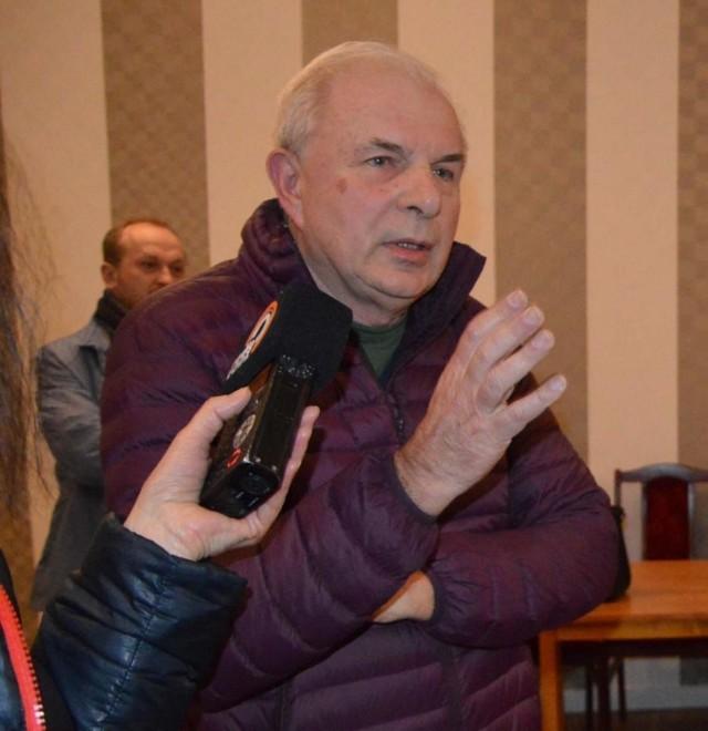 Piotr Tarczyński zachęca mieszkańców do wzięcia udziało w piątkowej blokadzie. - Nawet półgodzinna obecność będzie miała znaczenie - uważa łowiczanin