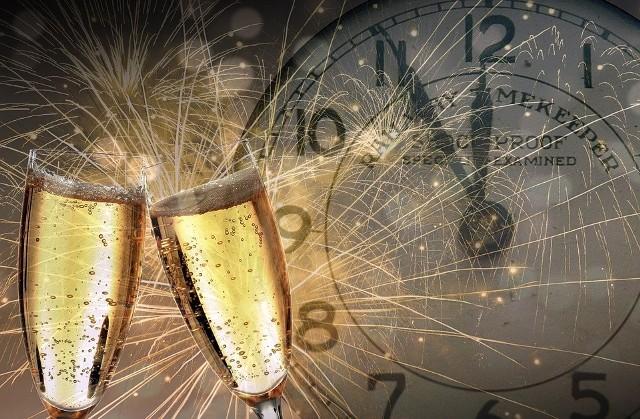 Życzenia noworoczne na Sylwestra i Nowy Rok. Wystrzałowa zabawa sylwestrowa coraz bliżej. NJak co roku nie uda nam się spotkać ze wszystkimi bliskimi i znajomymi. Dlatego warto wysłać im życzenia noworoczne lub życzenia sylwestrowe na Nowy Rok w formie SMS-a, wierszyka, kartki noworocznej czy e-maila. Poniżej znajdziecie przykładowe życzenia noworoczne SMS.