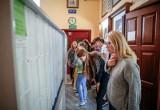 Brakuje miejsc w szkołach. Rozwiązaniem nauka za granicą, a może e-szkoła. Czy w Polsce to możliwe?