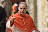 Kardynał Angelo Becciu stanie przed sądem. Oskarża się go o defraudację, pranie brudnych pieniędzy i oszustwa