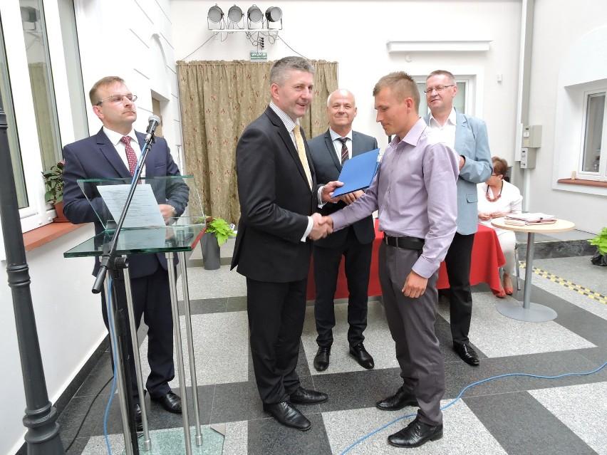 Nagrodę starosty otrzymał Przemysław Dąbrowski, maratończyk z Borawego, obecnie 10. wśród mężczyzn