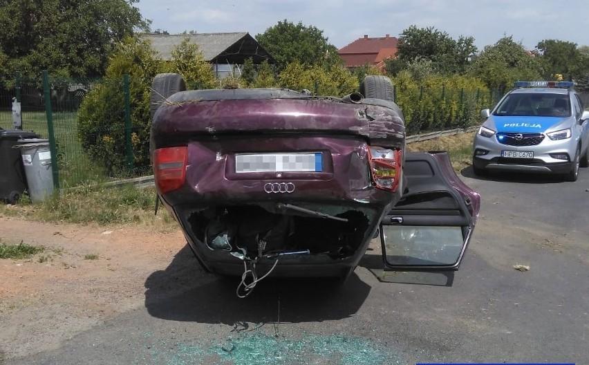 Pijany wsiadł do samochodu kolegi i dachował [ZDJĘCIA]