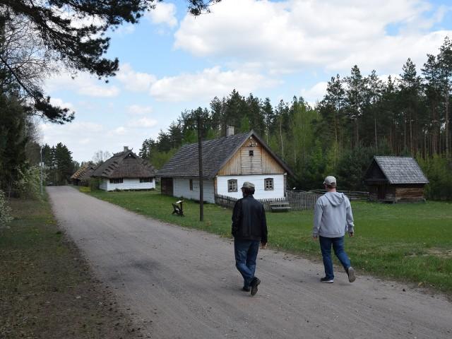Od soboty (24 kwietnia) będzie można spacerować po skansenie.