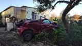Tragiczny wypadek w Podolinie koło Moszczenicy. Toyota uderzyła w dom. Zginęła 24-letnia kobieta