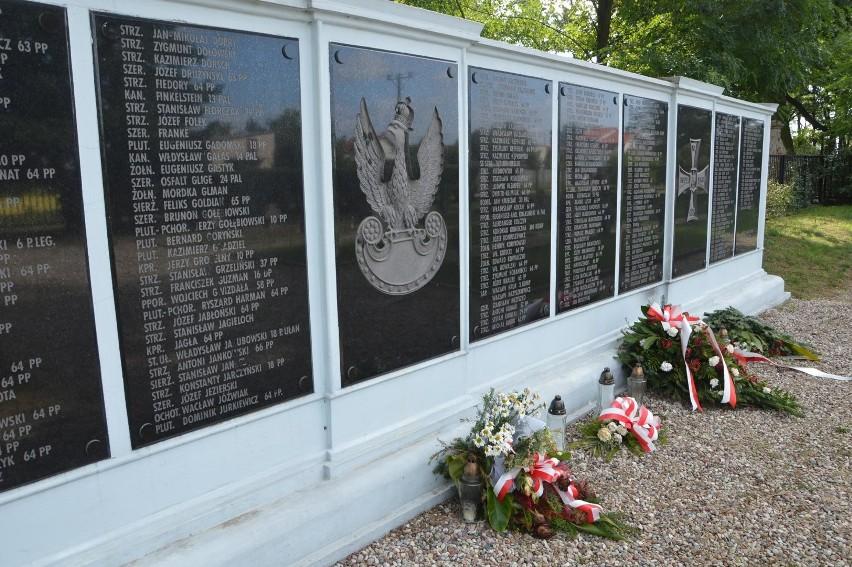 Cmentarz wojenny w Łowiczu