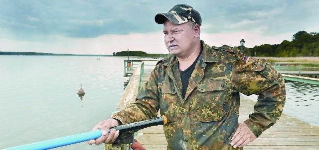 - Moim zdaniem jezioro ma się lepiej niż przed trzema laty - stwierdza Ryszard Basiura z Wałbrzycha. - A biała ryba musi być. To tak, jakby z ludzkiej populacji wykluczyć kobiety. Wtedy sami siebie będziemy ganiać...