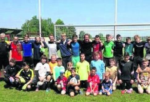 Trener Zdzisław Lewandowski i bramkarze z naszego regionu trenowali z czeskimi rówieśnikami w Pradze