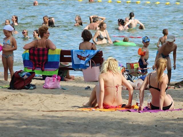 W Wielkim Mędromierzu mieszkańcom marzy się wspaniała plaża.