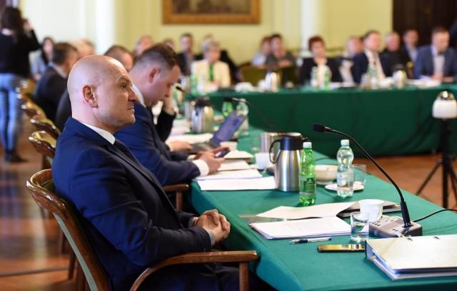 Wyniki ratuszowej kontroli OZPN w Nowym Sączu nagłośnił radny Krzysztof Ziaja