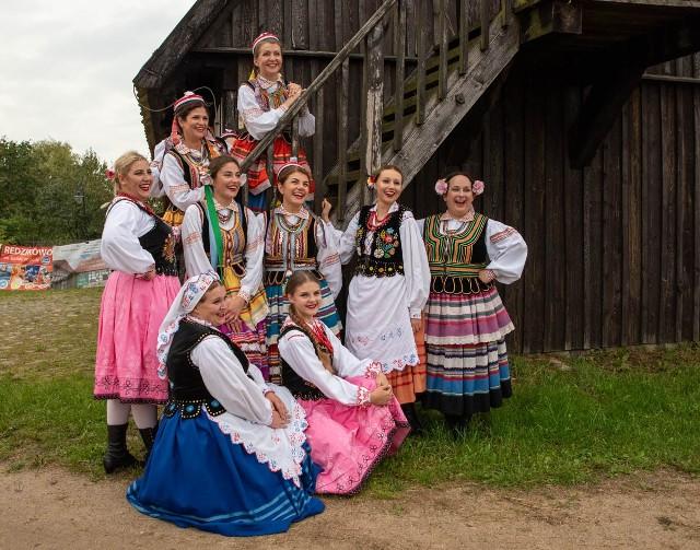Trzy dni potrwa tegoroczny festiwal EtnoBaltica. Rozpocznie się w piątek, 2 lipca, a zakończy w niedzielę. Poza koncertami, potańcówkami i warsztatami związanymi z tematyką ludową, odbędą się też między innymi bieg po owalnicy Swołowska Mila oraz wystawa fotograficzna.