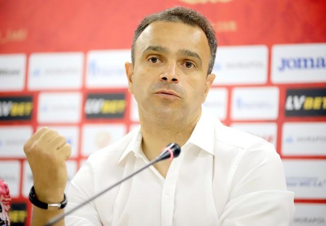 Enkeleid Dobi - ten gest najlepiej oddaje charakter trenera Widzewa