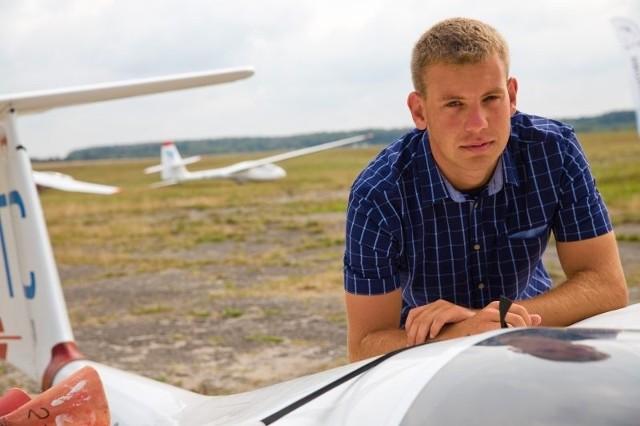 - To klasa lotnicza zaszczepiła we mnie zamiłowanie do latania - opowiada Piotr.