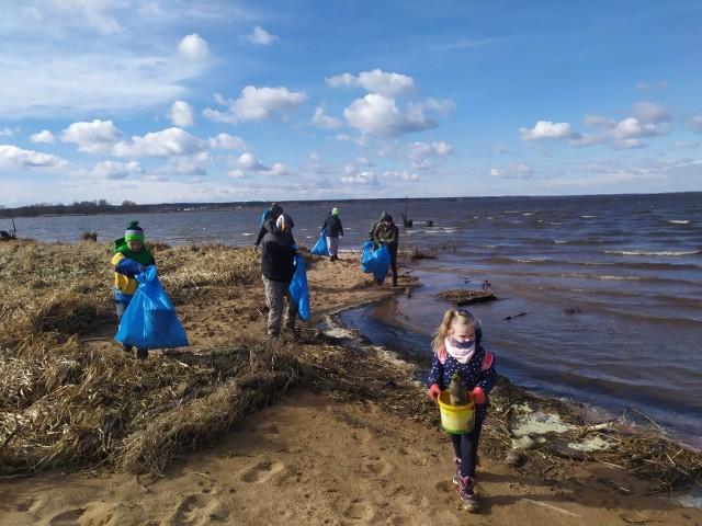 Turawa. Podczas akcji sprzątania brzegów Jeziora Dużego zebrano ponad 10 ton odpadów!