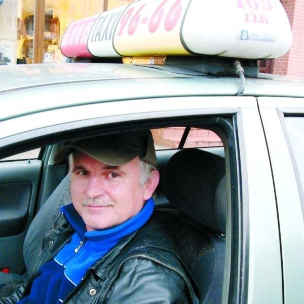 - Wozimy różnych pasażerów. Ale naszą dewizą jest przede wszystkim dobro klienta - mówi Jan Lichoń, ełcki taksówkarz.