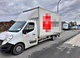 Funkcjonariusze ITD z Opola zatrzymali przeciążonego busa, którego kierowca nie miał prawa jazdy i był poszukiwany przez policję