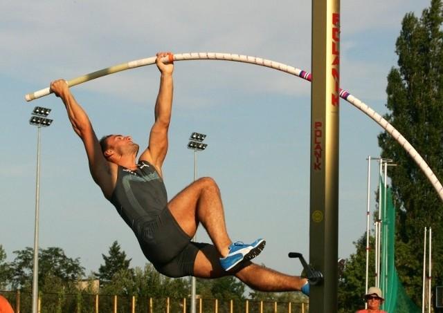 Przemysław Czerwiński nie wróci w ten weekend do skakania o tyczce.