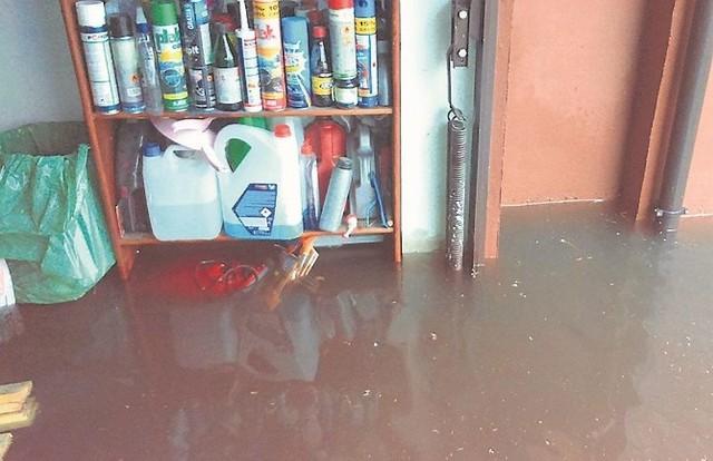 Wielka ulewa, która przeszła przez miasto pod koniec lipca, nie oszczędziła też garaży przy ul. Pileckiego