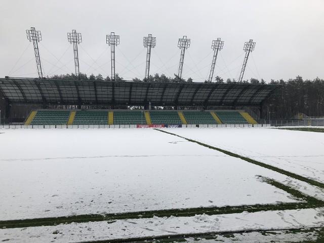 Stadion PSPN w Stalowej Woli, gdzie ma się odbyć mecz Stali Rzeszów z Garbarnią Kraków.