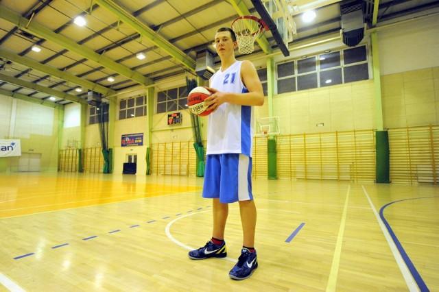 Filip Pruefer karierę zaczynał w drużynie Basket Poznań w 2012 roku