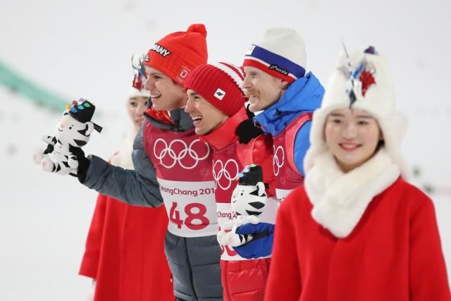 Dla Kamila Stocha to trzeci olimpijski złoty medal w karierze.