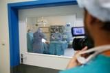 W okresie pandemii o 1/3 pacjentów mniej przeszło operację wymiany stawów biodrowych i kolanowych