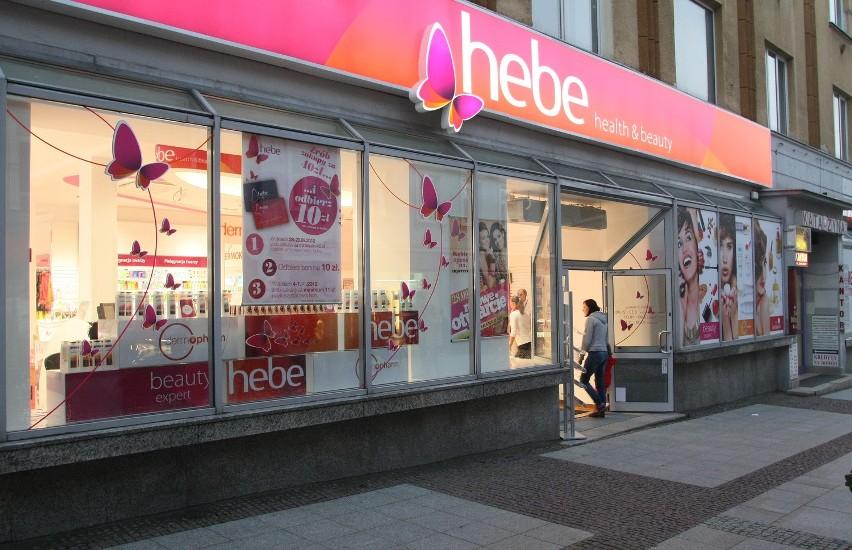Drogeria Hebe  przy ulicy Sienkiewicza w Kielcach od razu ruszyła do walki o klienta. Na początek przygotowała karty klienta i bony rabatowe.