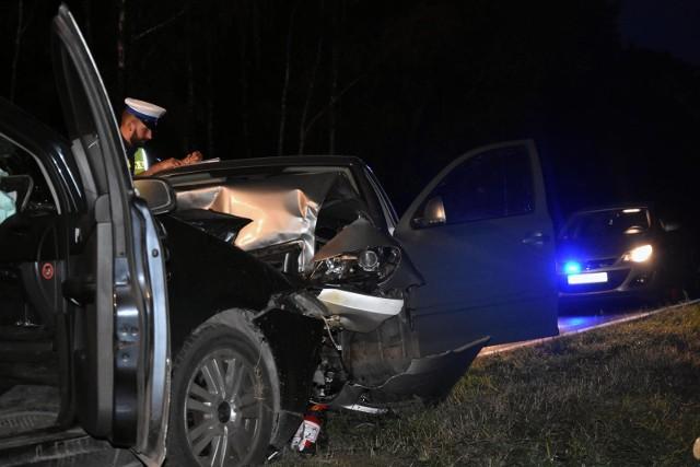 Piątkowy wieczór jest tragiczny na drogach w regionie. Doszło do trzech tragicznych wypadków drogowych.