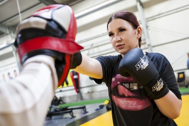 Marta Linkiewicz podczas treningu przed galą FAME MMA 3