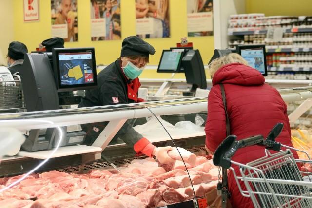 Przeciętny Polak je rocznie ponad 88 kg mięsa. Zalecana przez lekarzy ilość to nieco mniej niż  40 kilogramów