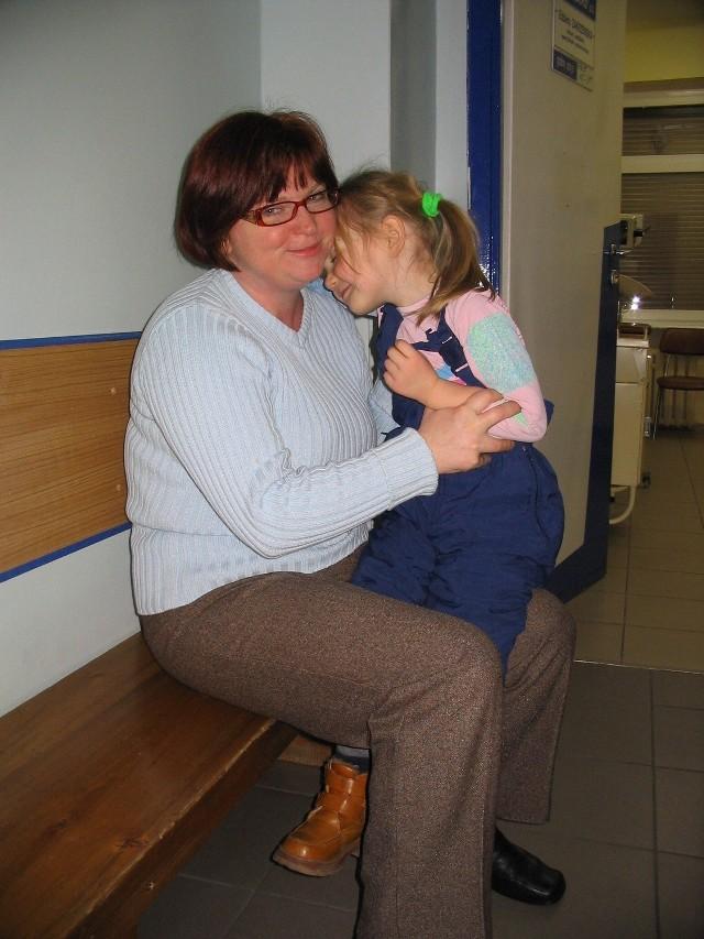 Marzena Pardel do przychodni przyszła z chorą 5-letnią córką Agnieszką.